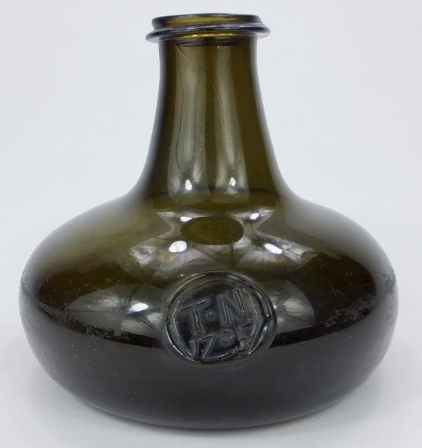 Very Rare Wide Mouth Pancake Onion Bottle Tn 1705